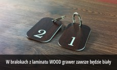 Breloki grawerowane z laminatu WOOD LARGE