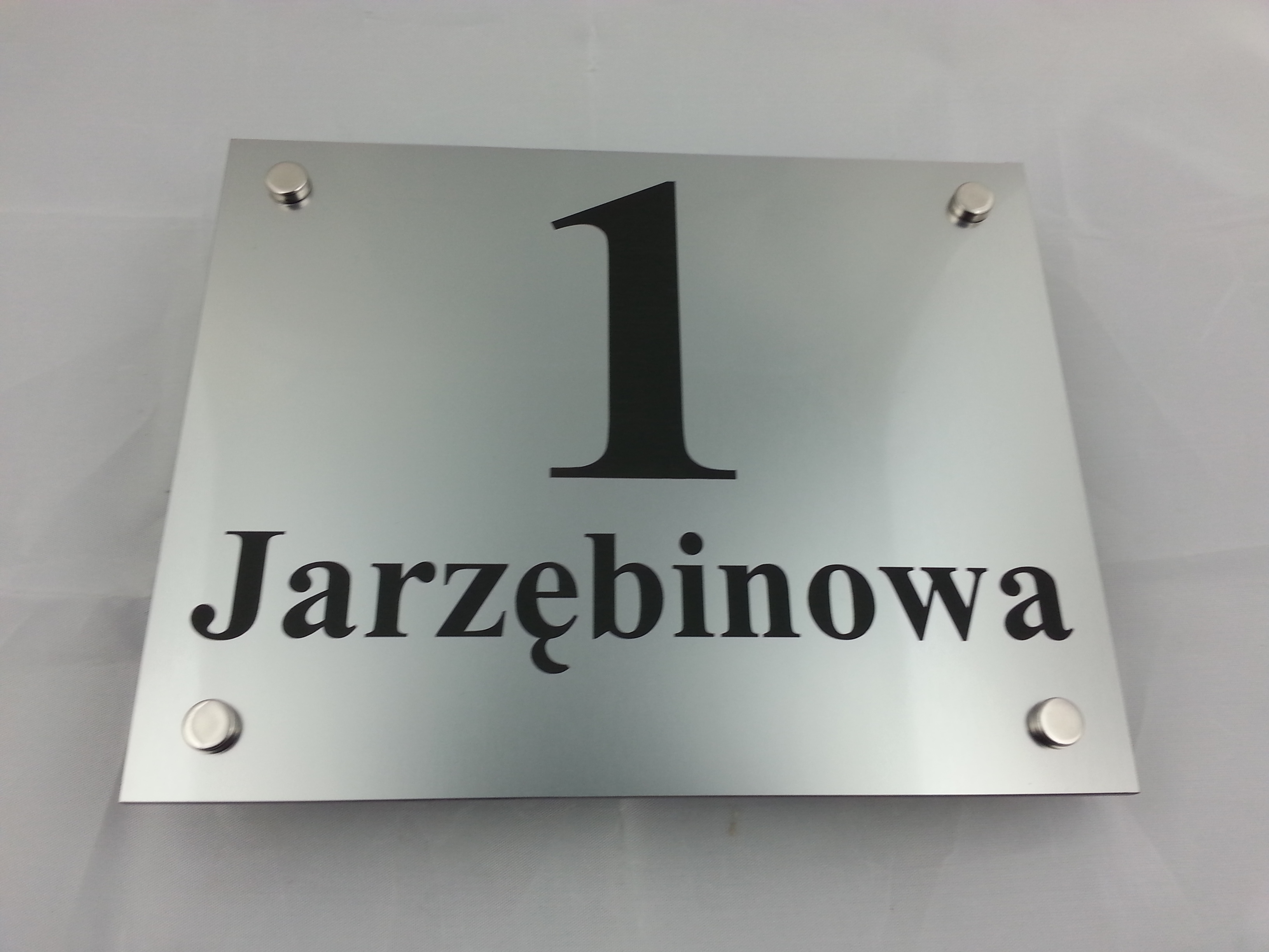 tabliczka-na-dom-graw